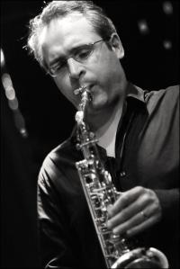 Josk Kemp playing saxophone