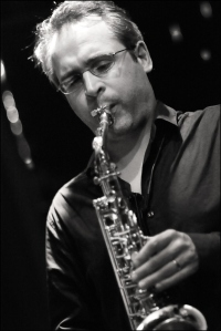 Josk Kemp playing saxophone